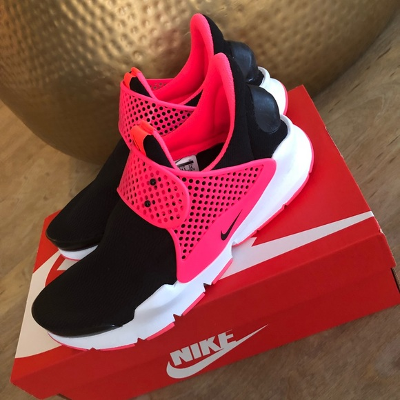 Nike Shoes | Nike Sock Dart Size 6 Kids
